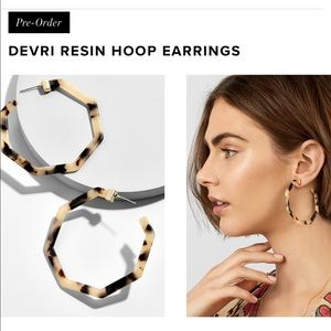 BaubleBar Jewelry - Restock⭐️ Devri Blonde Tortoise Hoop Earrings
